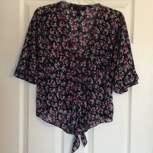 Beautiful Jessica Simpson Floral Top
